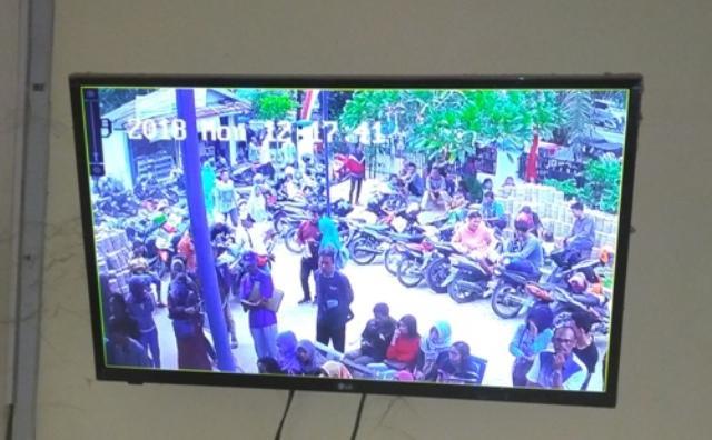 Lagi Urus Surat Kependudukan di Kantor Disdukcapil Deliserdang, Sepeda Motor Warga Dilarikan Maling