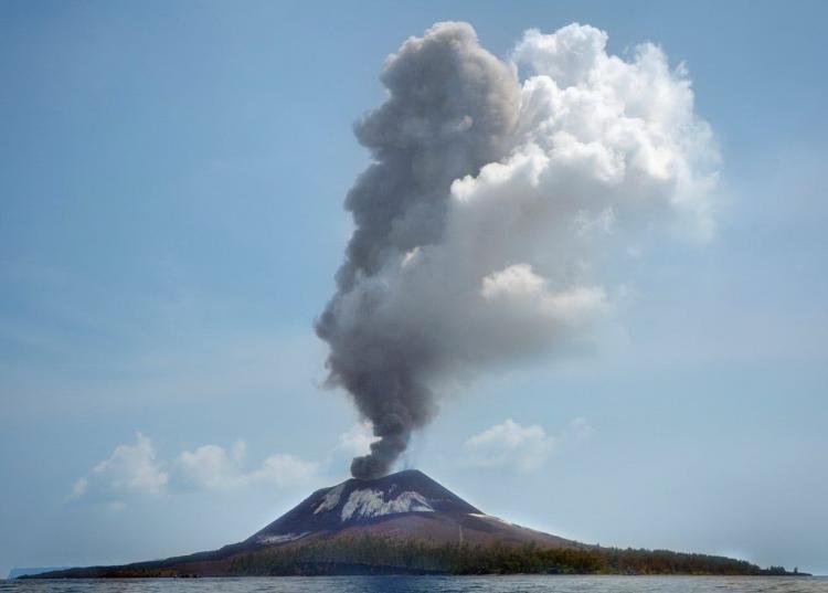 Gunung Anak Krakatau Meletus 56 Kali, Status Waspada