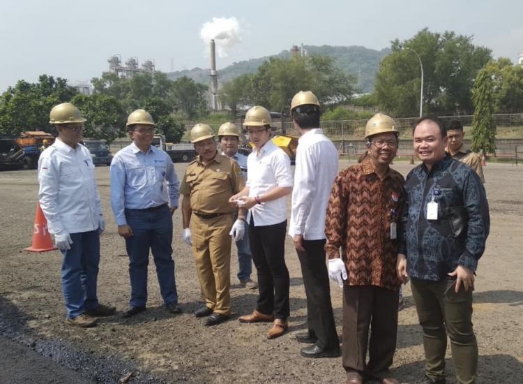 PT Chandra Asri Petrochemical Tbk Inisiasi Penggunaan Sampah Kantong Plastik dalam Campuran Aspal