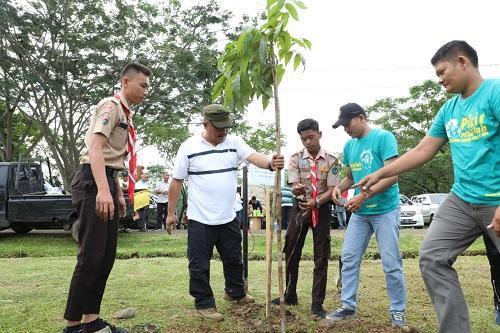 Aksi Tanam Pohon di HUT Adhyaksa ke-59, Wali Kota Medan: Ini Wujud Nyata Terhadap Lingkungan