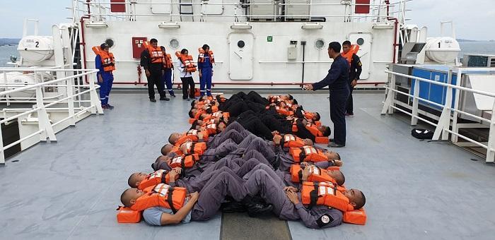 ABK KN Tanjung Datu 301 Bakamla RI Latihan Peran Darurat