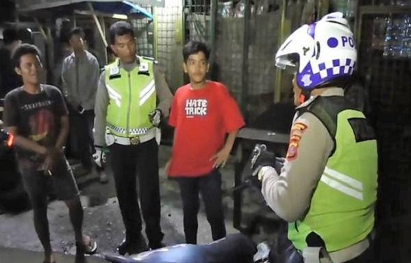 Razia di Desa Mencirim, Polsek Sunggal Amankan Sepeda Motor Hasil Curian dan Miras