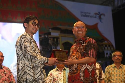Walikota Medan Resmikan MGSA di Panggung Colorful Medan Carnaval