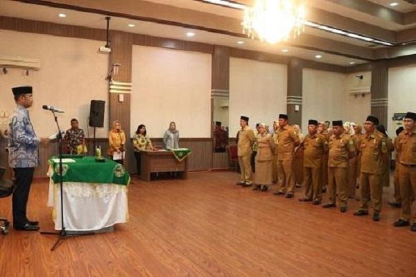 Lantik 27 Pejabat Eselon III dan IV, Wali Kota Medan Minta Pejabat Kerja Keras, Kerja Tuntas dan Kerja Ikhlas