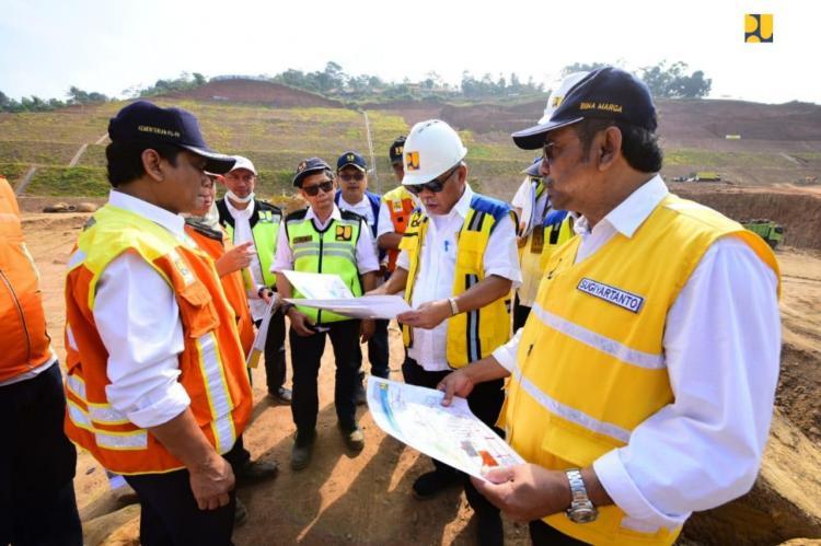 Dukung Konektivitas Bandara Kertajati, Tol Cisumdawu Ditargetkan Rampung Tahun Depan
