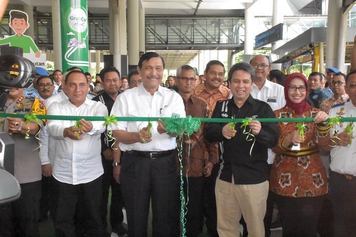 Menko Kemaritiman dan Gubernur Sumut Resmikan Layanan Grab Bandara Kualanamu