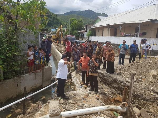 Tinjau Progres dan Kualitas, Wali Kota Sibolga Blusukan ke Sejumlah Lokasi Proyek