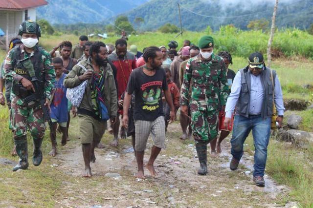 Satgas Yonif 754 Kostrad Kawal Kunjungan Wakil ketua 1 DPRD Timika di Jila Papua