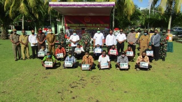 Danrem 173/PVB Tutup Kegiatan TMMD ke-108 di Kabupaten Kepulauan Yapen Papua