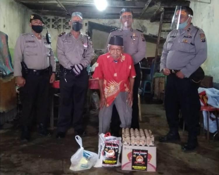Kapolsek Medan Timur Terus Gulirkan Sembako untuk Warga Kurang Mampu Terdampak Corona