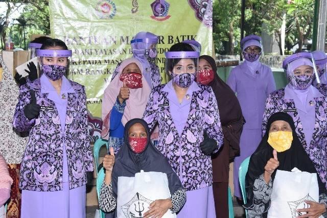 IKKT Cabang BS XI Kogabwilhan I Bagikan 500 Masker dan 250 Paket Sembako untuk Warga Kelapa Gading