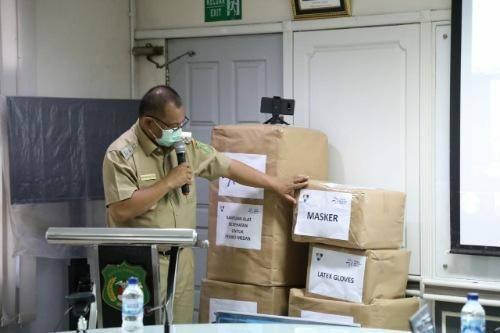 Plt Wali Kota Medan Terima Bantuan CSR Peralatan Medis dari PT TBIG untuk RSUD Dr Pirngadi