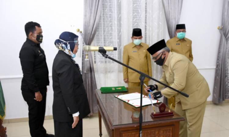 Sekdaprov Sumut Lantik Antony Sinaga dan Laksana Hasugian di Kantor Gubernur