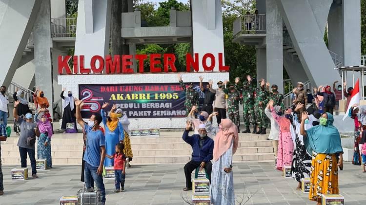 Alumni Akabri 95 di Kota Sabang Bagikan 200 Paket Sembako untuk Warga Kurang Mampu
