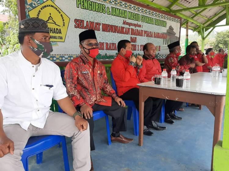 Bupati Taput Didampingi Ketua DPRD dan Kankemenag Taput Serahkan Hewan Kurban Idul Adha 1441H