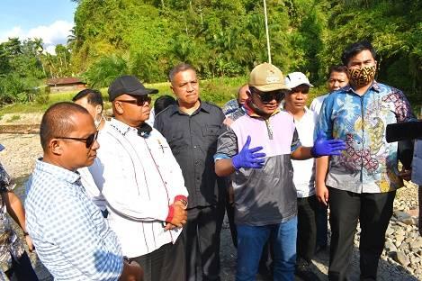 Bupati Tapteng Bersama Wakil Ketua DPRD Provsu dan Komisi D DPRD Provsu Tinjau Rencana Pembangunan