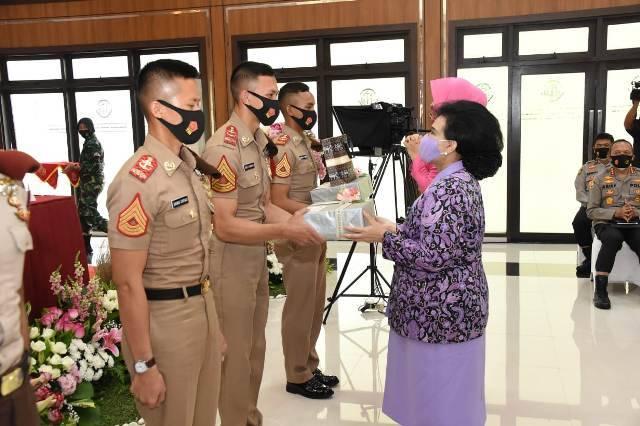 Ketum Dharma Pertiwi Berikan Pembekalan untuk 750 Capaja TNI-Polri di Cilangkap