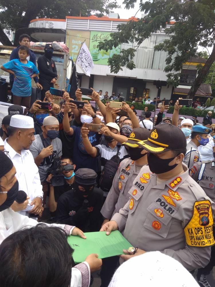 Kapolrestabes Medan Terima Laporan Pengaduan Tolak RUU Haluan Pancasila, Kombes Riko Sunarko: Demo Harus Kondusif