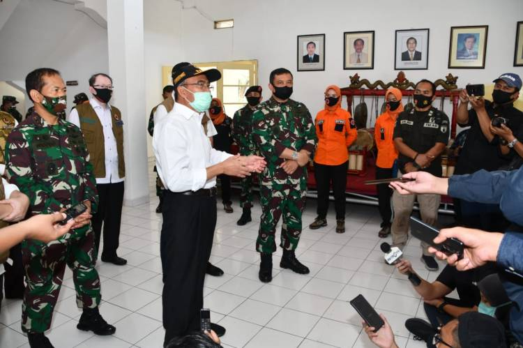 Pangkogabwilhan II Terima Kunjungan Menko PMK RI di Posko Rumkitlap Kogabwilhan II