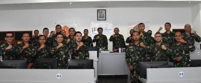 Panglima TNI Tinjau Pusinfomar TNI di Jakarta
