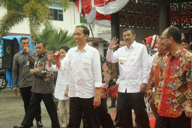 Presiden Jokowi Terima Curhat Bupati dan Walikota se-Kepulauan Nias