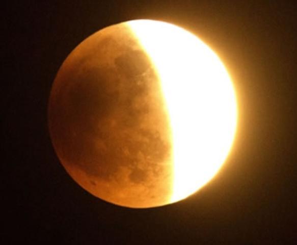 8 Agustus Gerhana Bulan, Kemenag Ajak Umat Islam Salat Khusuf