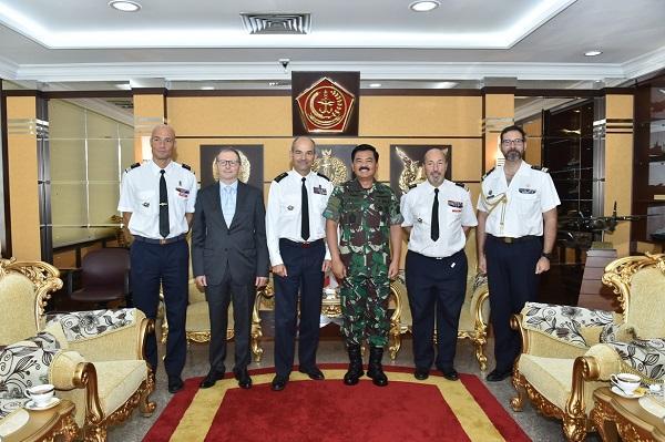 Panglima TNI Courtesy Call dengan Chief of Mission Pegase