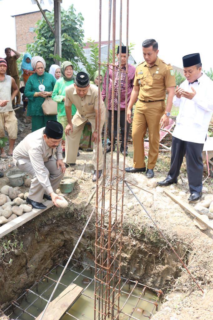 Walikota Medan Letakkan Batu Pertama Pembangunan Madrasah Al Islamiyah di Medan Tuntungan