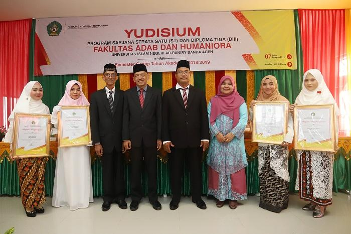 UIN Ar-Raniry Aceh Yudisium 156 Mahasiswa Fakultas Adab dan Humaniora