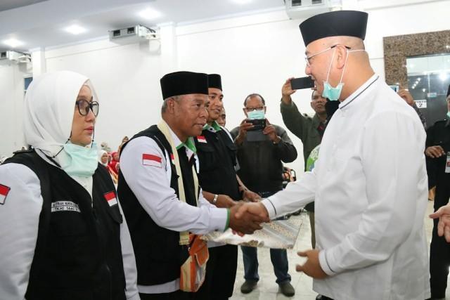 Walikota Sambut Kepulangan 392 Jamaah Haji Kloter 01 Asal Kota Medan