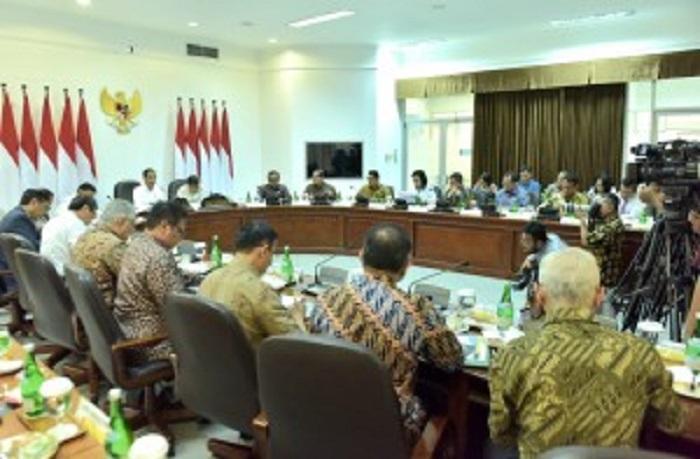 Presiden Jokowi Kurangi Impor Minyak, Biodiesel B20 Akan Diganti B30 Mulai Januari 2020