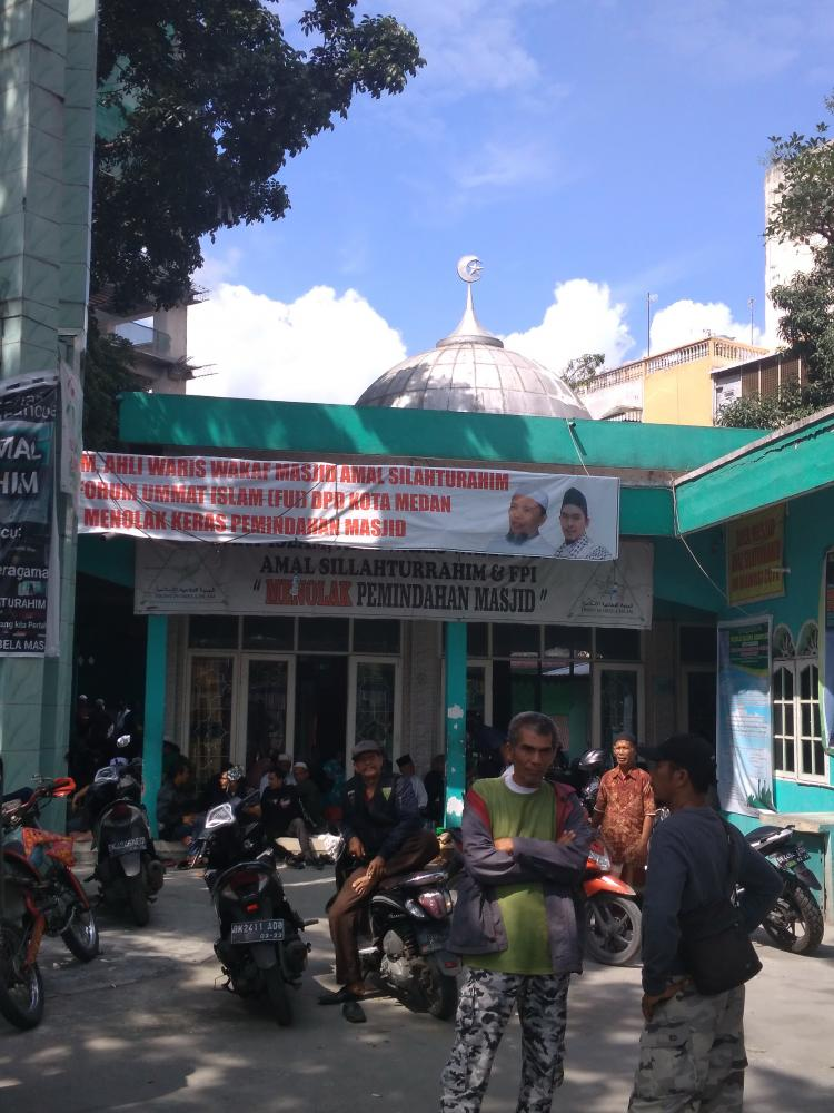 Hendak Direlokasi, Ormas Islam Jaga Masjid Amal Silaturahmi di Komplek Asia Mega Mas