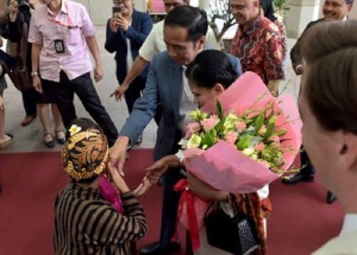 Presiden Jokowi Tiba di Singapura Pada Jumat Sore