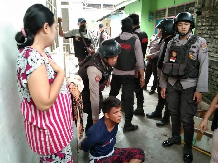 Polrestabes Medan Tangkap 12 Pengedar Sabu dari Kampung Narkoba
