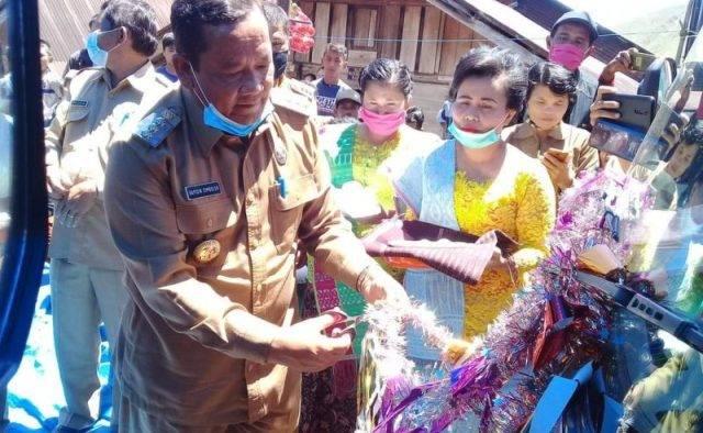 Bupati Samosir Launching Bus Sekolah Gratis di Sitio tio