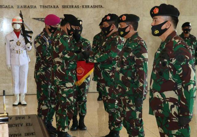 Panglima TNI Pimpin Penyerahan Jabatan Kabais TNI dan Sertijab Kapusku TNI