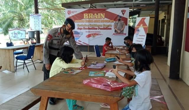 Brimob Polda Sumut Gulirkan Program Brain, Sediakan WIFI Gratis untuk Anak Belajar Online di Kota Tebing Tinggi