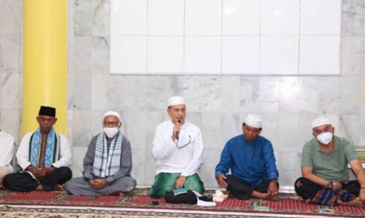 Silaturahmi Bersama Jemaah Masjid Raya Taqwa Parapat, Wagub Pesankan Jaga Keindahan Alam Danau Toba
