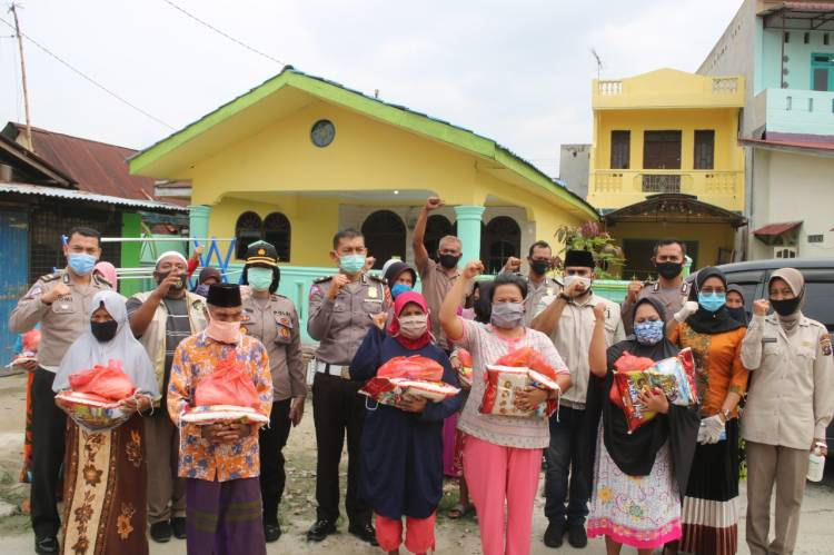 Bersama KSJ, Polresta Deli Serdang Aksi Sosial Bagi Sembako