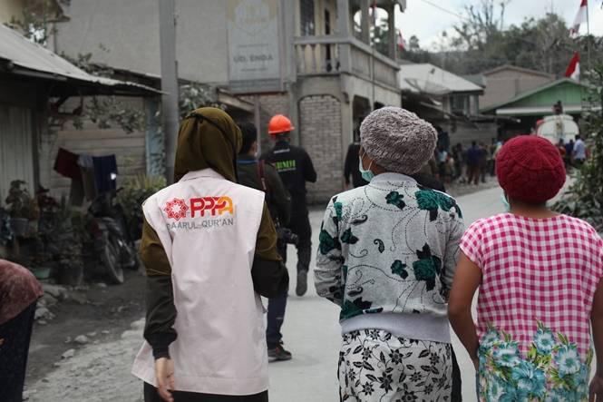Erupsi Gunung Sinabung, PPPA Daarul Qur'an Medan Bergegas Menuju Lokasi Bencana