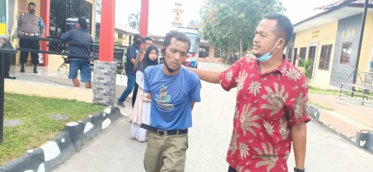 Jambret Tas Pelajar, Pelaku Ditangkap Massa dan Dibawa ke Polresta Deli Serdang