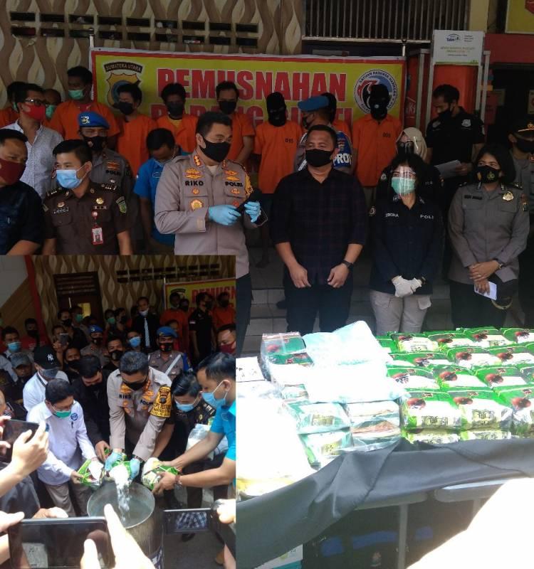 Kapolrestabes Medan Pimpin Pemusnahan 67 Kilo Sabu dan 10 Ribu Pil Ekstasi, 11 Tersangka Dipaparkan