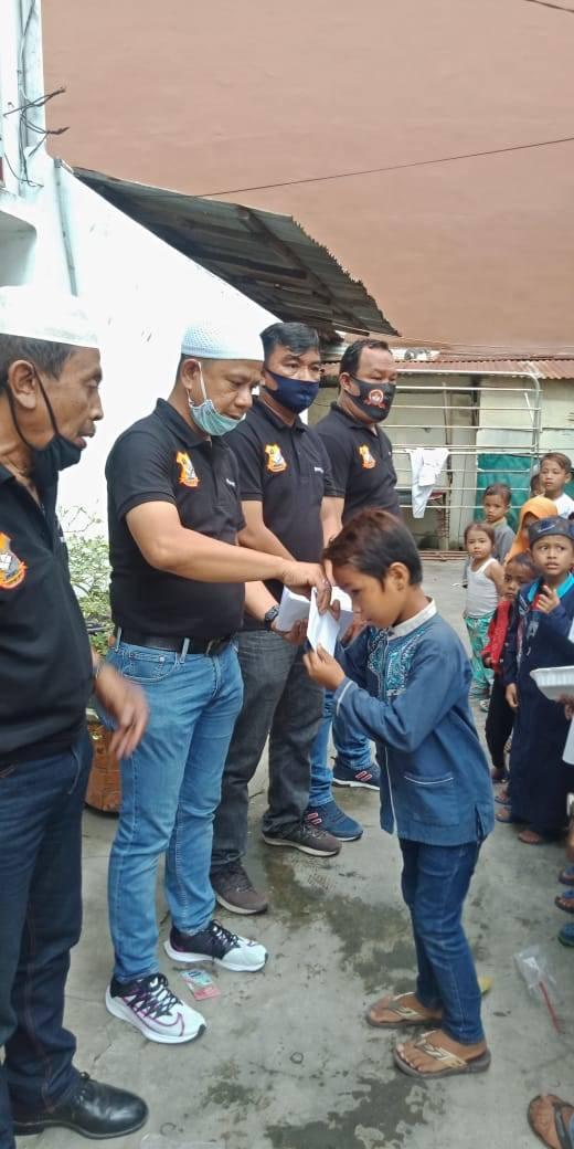 Jumat Barokah, Ketua Pewarta Polrestabes Salurkan Bantuan dan Santunan Kepada Ratusan Anak Yatim di Kota Medan