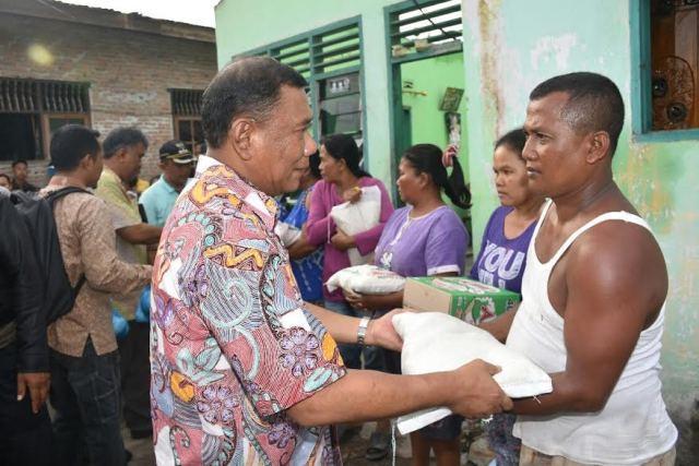 Bupati Deli Serdang Beri Bantuan Korban Banjir dan Angin Puting Beliung