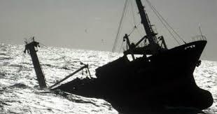 Kapal Karam, 9 Nelayan Mengapung di Laut Selama 5 Jam