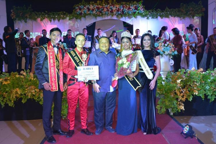 Walikota Tutup Malam Puncak Pemilihan Duta Wisata Ogek dan Uning Kota Sibolga Tahun 2017