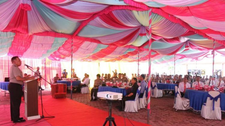 Penasaran dengan Pulau Samosir, Kapolda Sumut Setir Mobil Sendiri