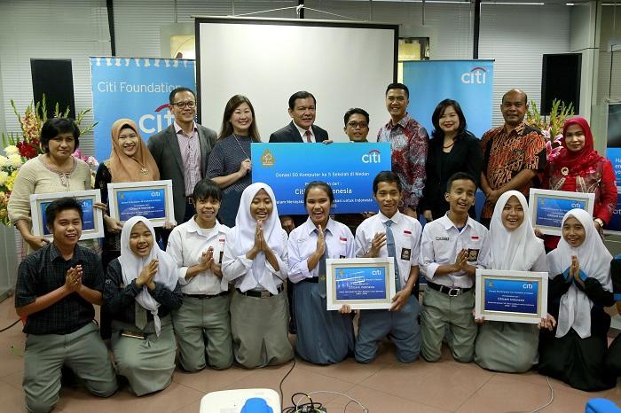 Citi Indonesia Donasikan 50 Komputer untuk Sekolah di Wilayah Medan