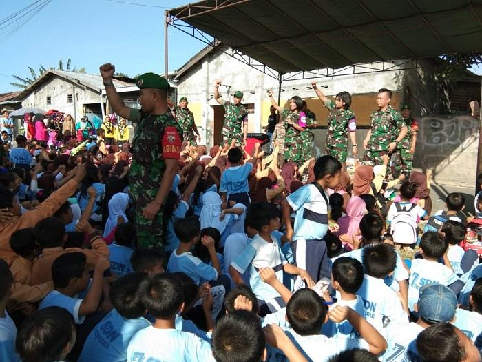Ribuan Anak di Lombok Antusias Ikuti Permainan Tim Psikologi TNI