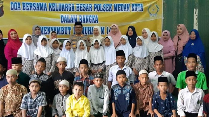 Polsek Medan Kota Rayakan Tahun Baru Muharam 1441 H Bersama Puluhan Anak Yatim